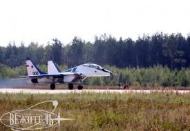 Эскадрилья американских пилотов выступила на личном авиашоу | Полеты на истребителе МиГ-29 в стратосферу